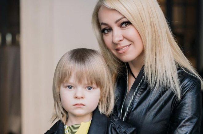 Яна Рудковская и сын