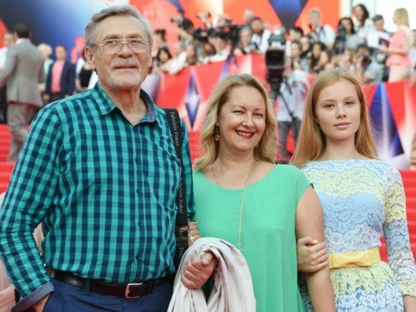 Биография и личная жизнь Александра Михайлова