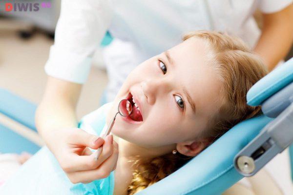 Чистка зубов системой Air-Flow
