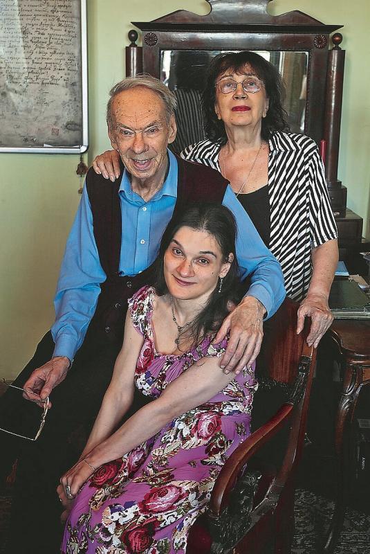 Алексей Баталов со второй женой и дочерью