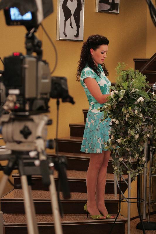 Анастасия Заворотнюк на съемках сериала 'Моя прекрасная няня'