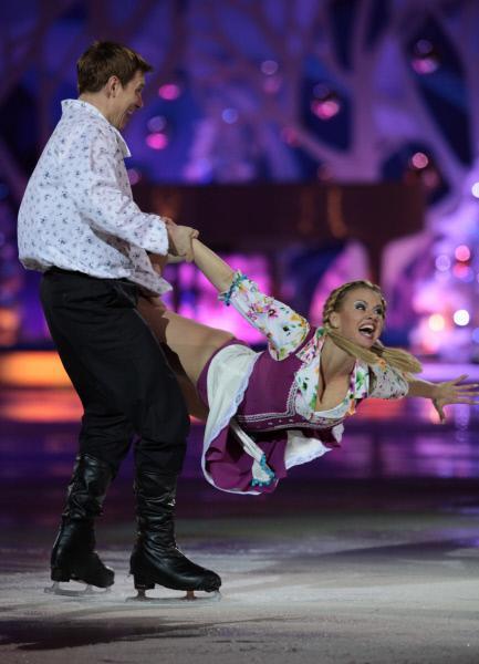 Анна Семенович в шоу 'Ледниковый период'