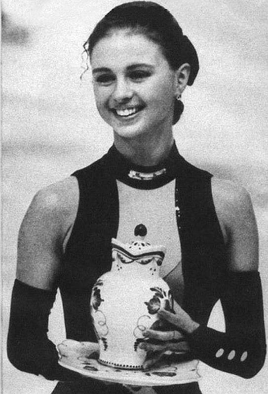 Анна Семенович в юности