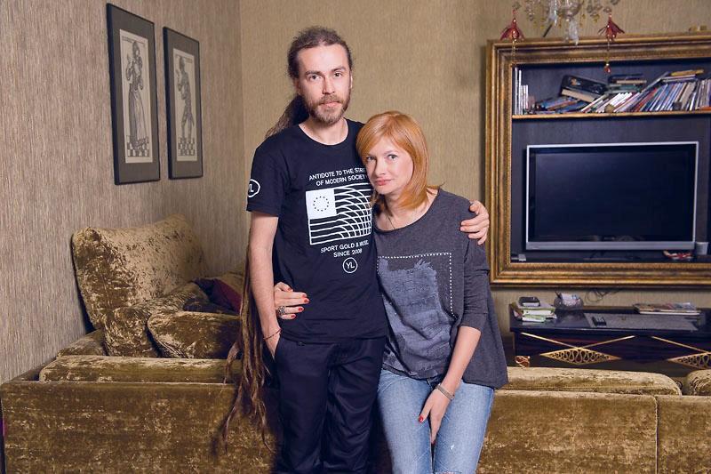 Кирилл Толмацкий (Децл) с матерью