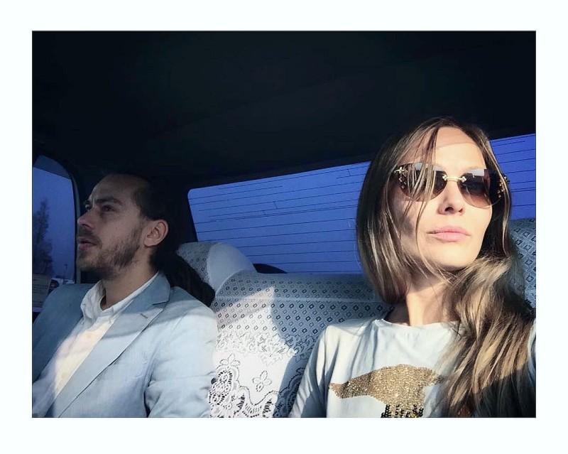 Кирилл Толмацкий (Децл) с женой