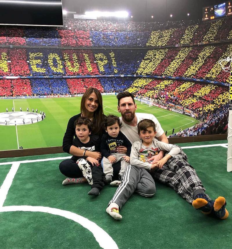Лионель Месси с семьей