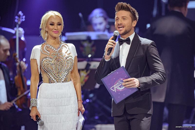 Сергей Лазарев с Лерой Кудрявцевой в роли ведущих 'Песни года'