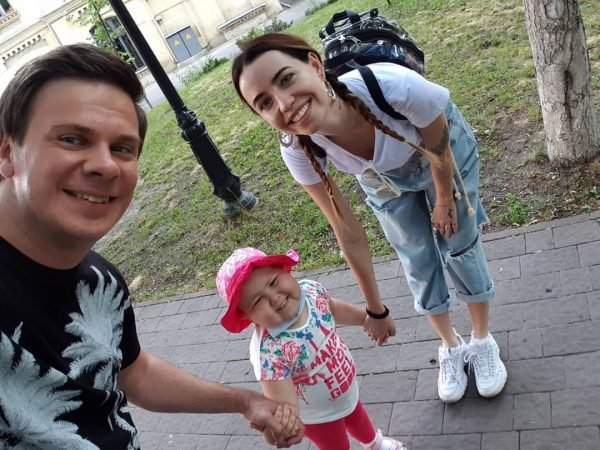 Жена Дмитрия Комарова – фото, личная жизнь, биография ведущего