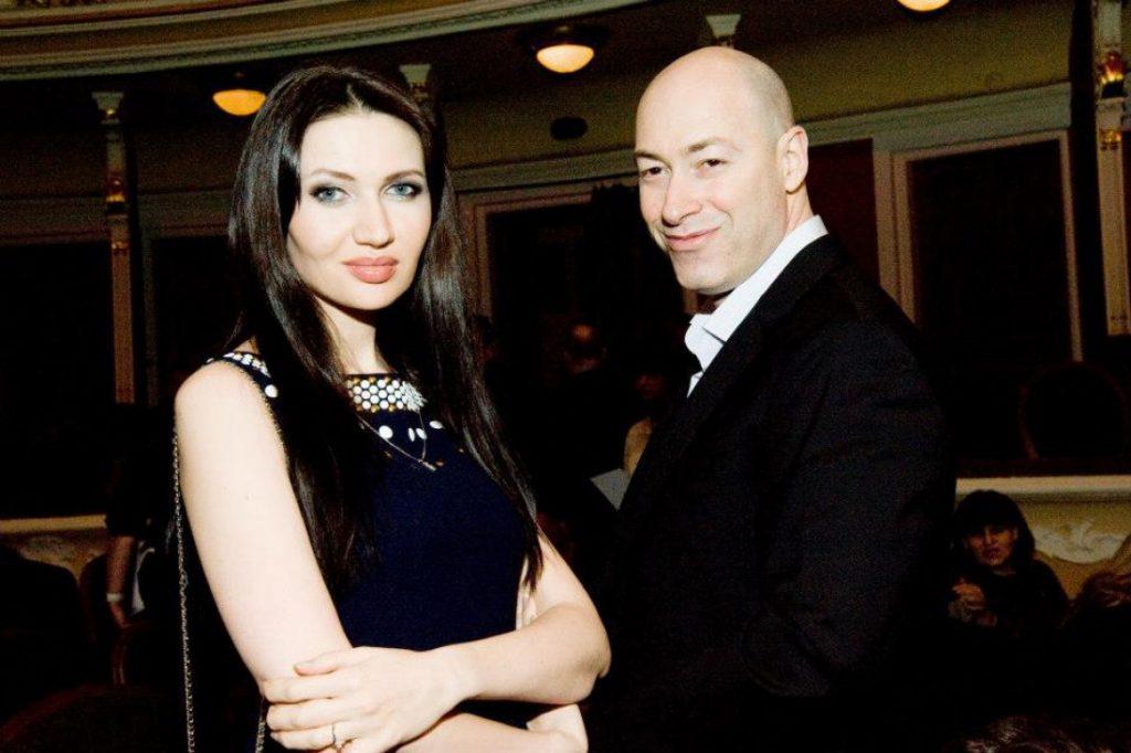 Жена Дмитрия Гордона – фото, биография, личная жизнь