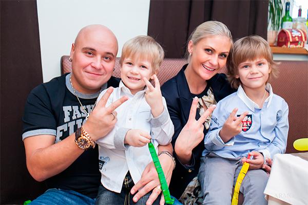 Жена Доминика Джокера – фото, личная жизнь, семья, дети