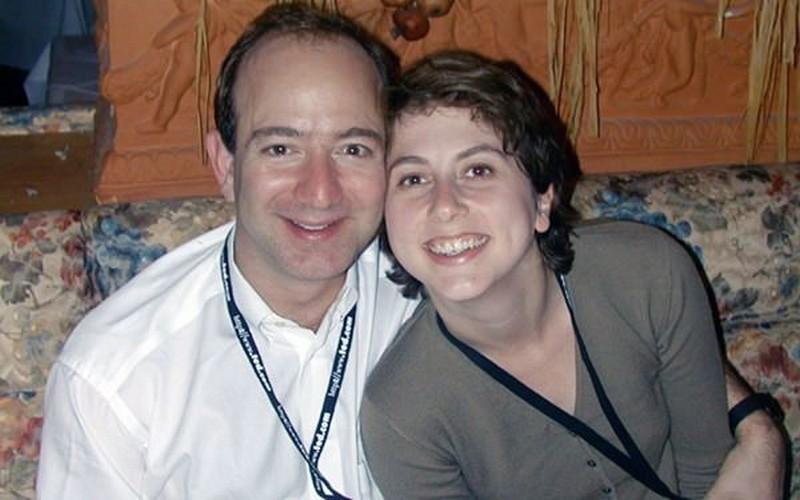 Жена Джеффа Безоса – фото, дети, причина развода, любовница