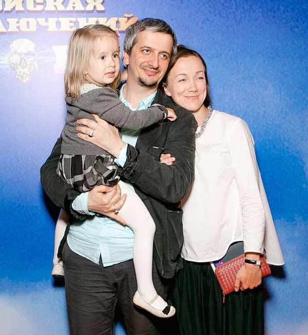 Жена Константина Богомолова – фото, личная жизнь, дети