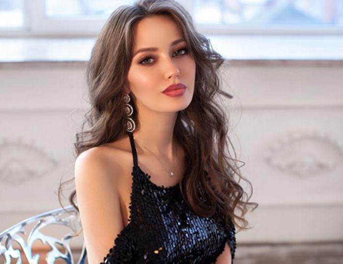 Жена Дмитрия Тарасова – фото, личная жизнь, новости