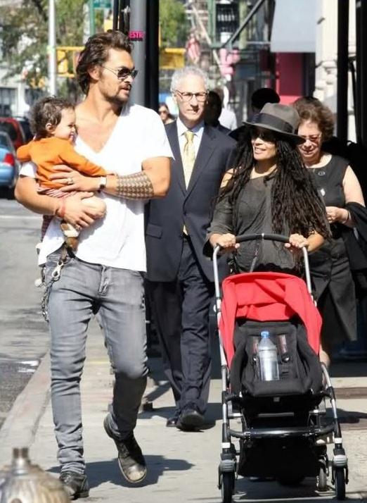 Джейсон Момоа с женой и детьми – фото, личная жизнь, биография