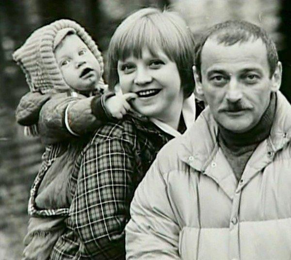 Муж Светланы Крючковой – фото всех мужей актрисы, дети