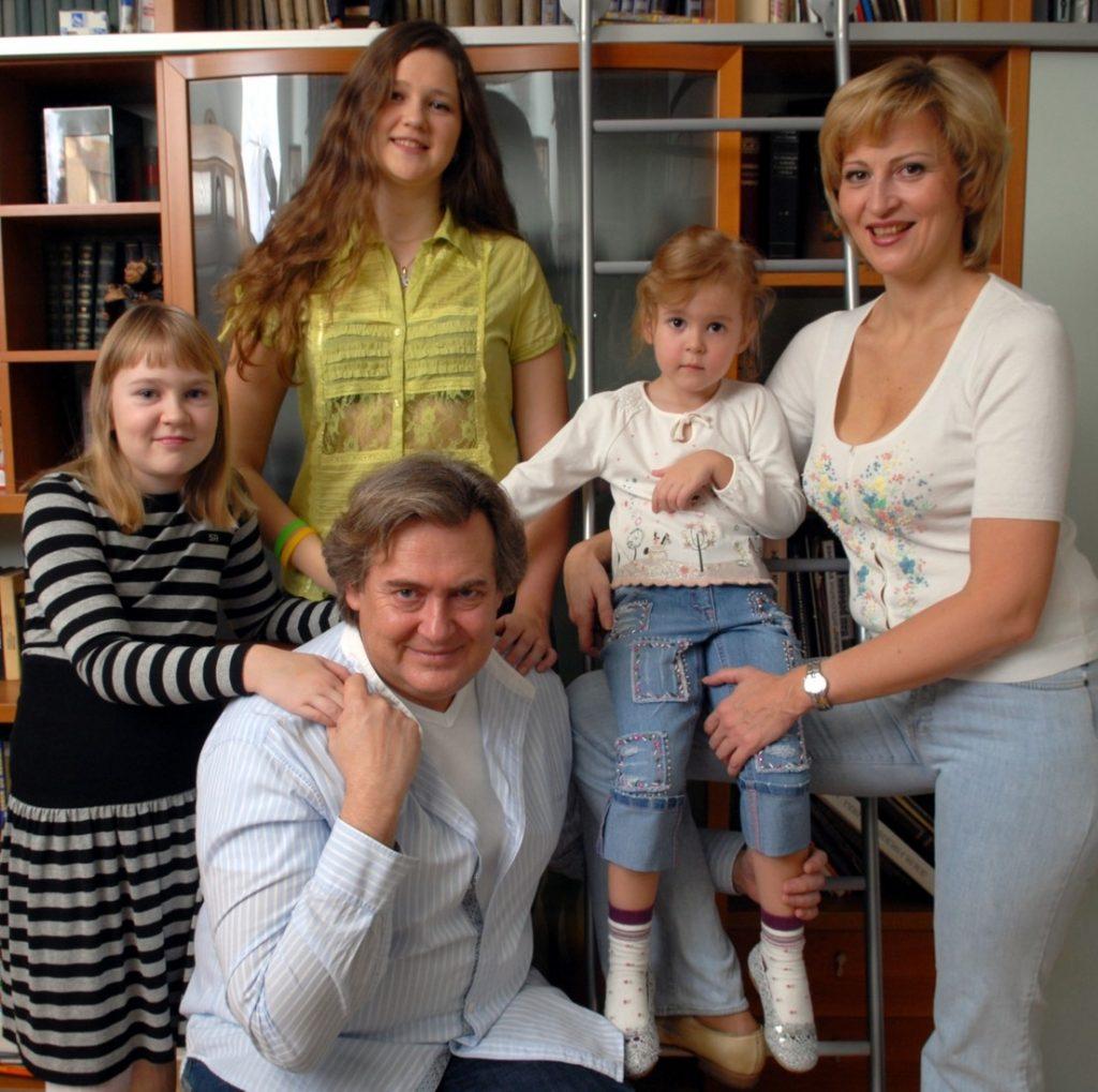 Жена Юрия Стоянова – фото, возраст, биография, дети