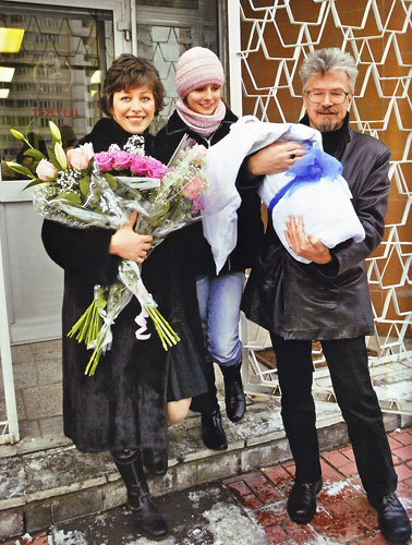 Жены Эдуарда Лимонова – фото, личная жизнь, дети