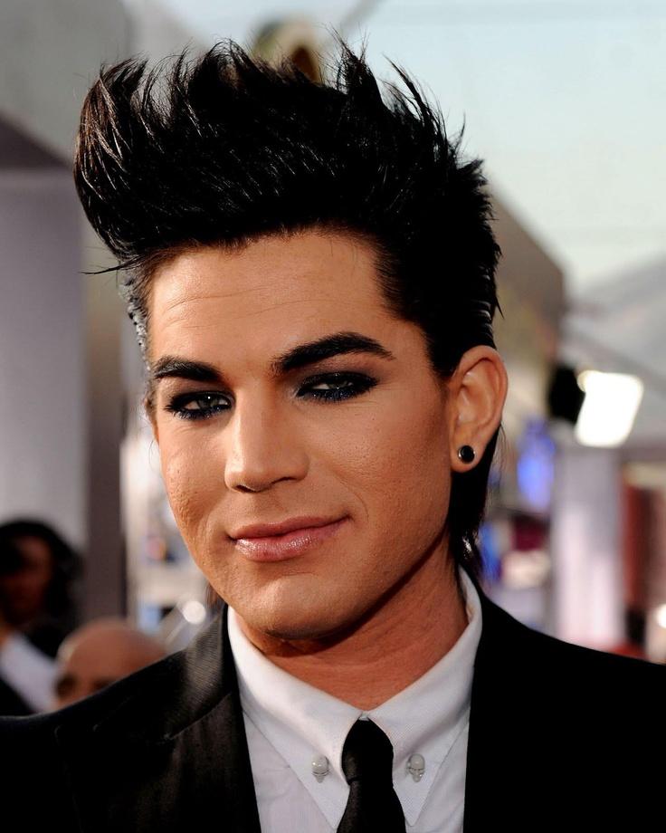 8 мужчин-звезд, обожающих макияж