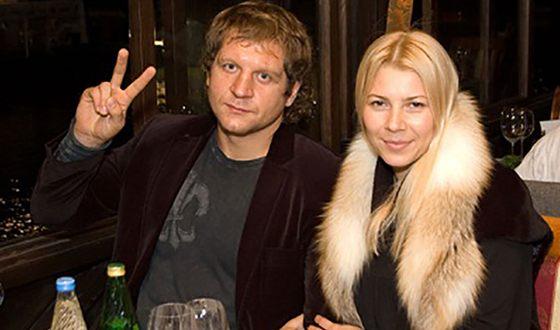Жена Александра Емельяненко